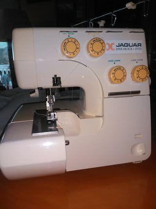 Maquina coser Overlock.