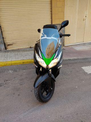 cambio/vendo Kawasaki j300 edición especial