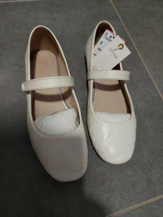 zapatos piel blanco zara talla 35