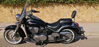 Kawasaki VN900 Classic.