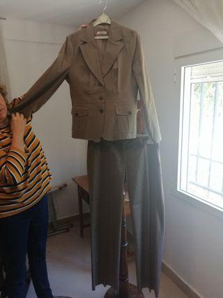 Conjunto mujer traje