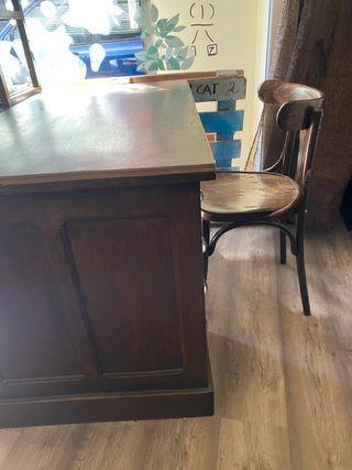 Mesa escritorio antigua, de mas de 100 años