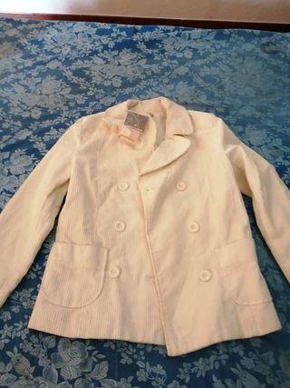 chaqueta de mujer marca nafnaf