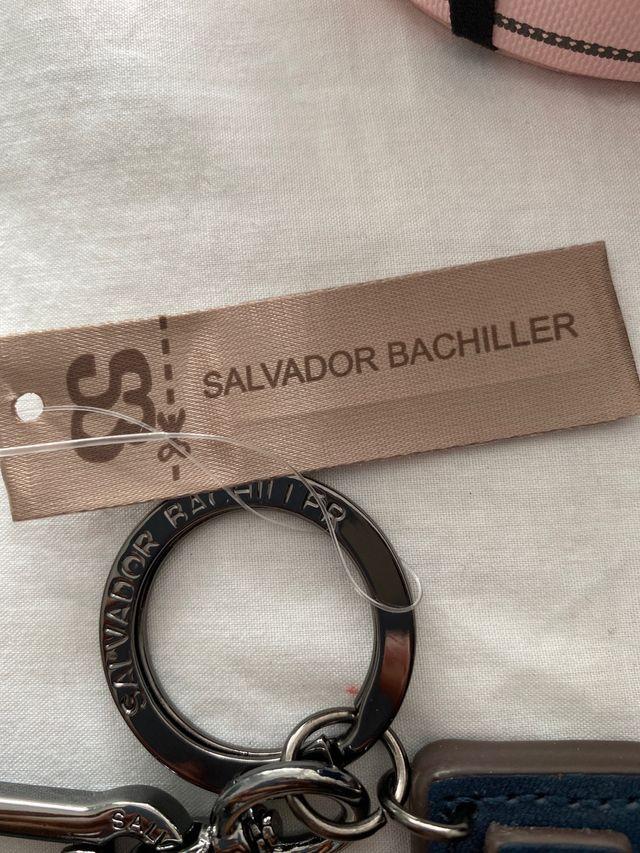 Llavero Salvador Bachiller en forma de N