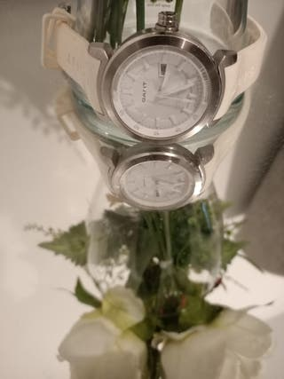montre gant blanche
