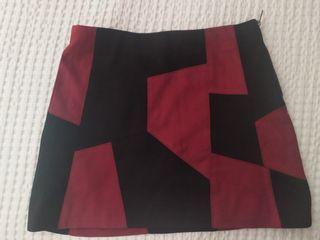 Minifalda de ante negra y burdeos