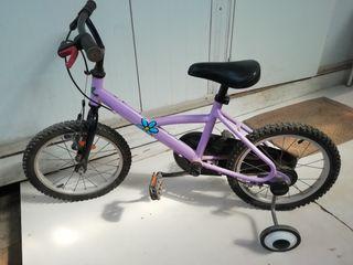 bicicleta de niño con ruedas y tijeras