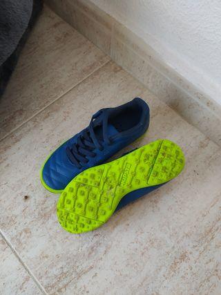 botas de fútbol talla 27