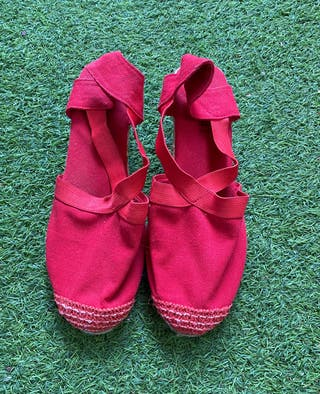 Alpargatas rojas talla 39