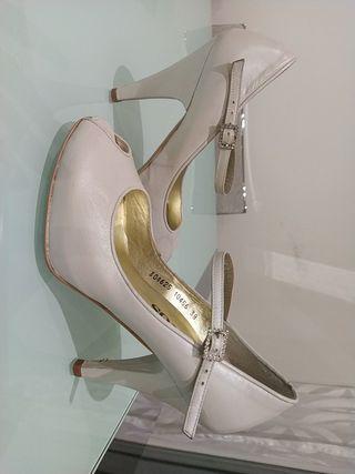 Preciosos Zapatos de Novias