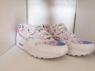 Custom Nike Air Max 1 trainers
