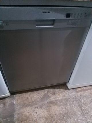 lavavajillas marca Siemens funciona bien