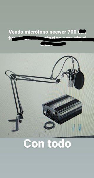 microfono neweer 700