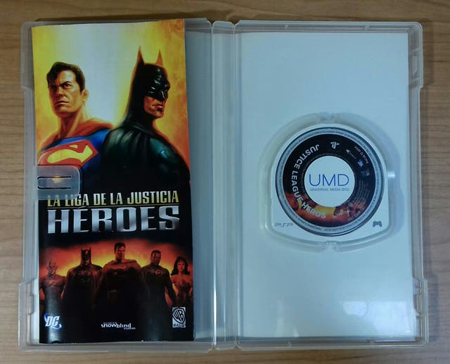 Juego PSP Liga de la justicia HEROES