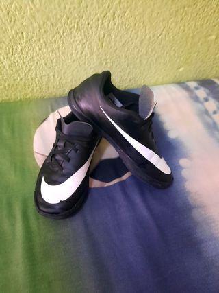 bambas Nike n°35
