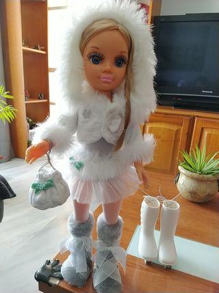 Muñeca Nancy patinadora