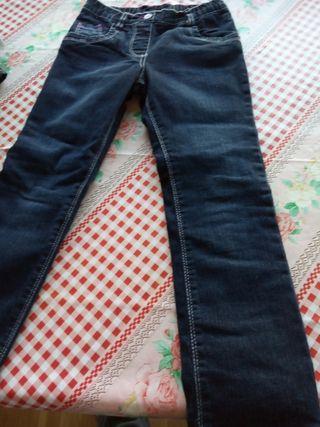 pantalón vaquero niña talla 5 Nuevo