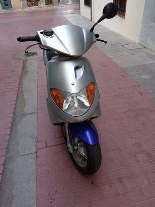 Moto Daelim S-FIVE