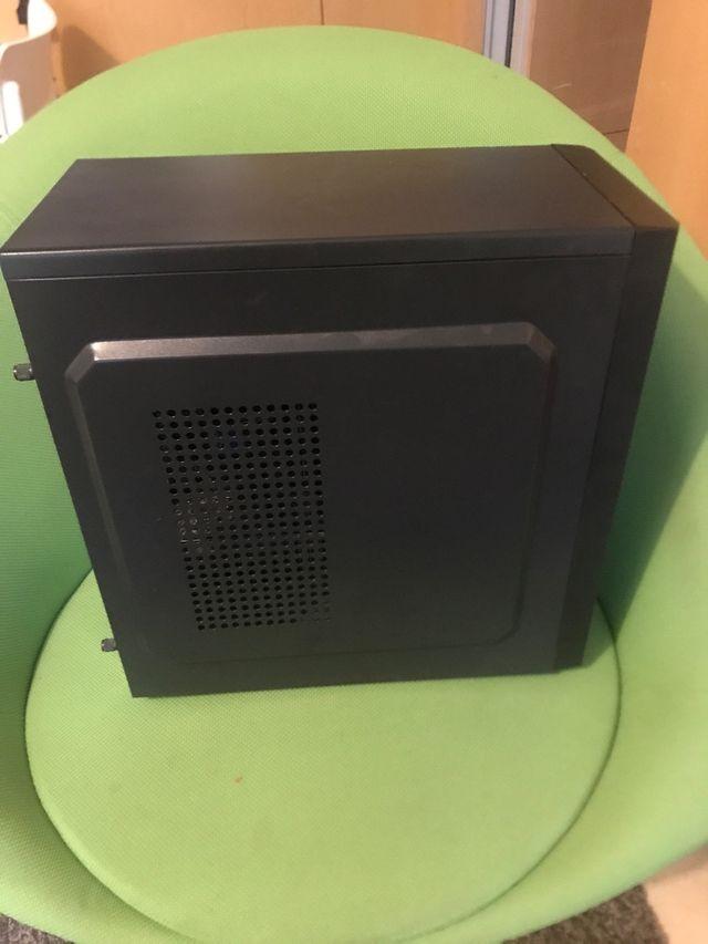 Ordenador Workstation i7 7700 16GB DDR4 SSD/HDD