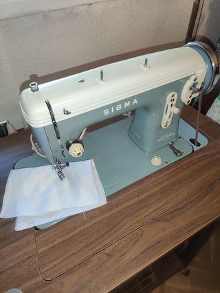 maquina de coser SIGMA modelo N