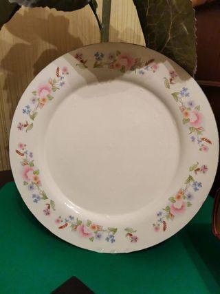 Platos de porcelana decorados