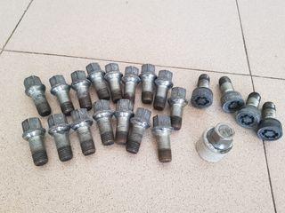 Espaciadores Rueda Aleación 16mm X 2 Tornillos M12X1.5 para los modelos 5X110 65.1 Saab