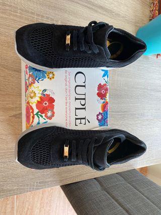 Zapatillas cuplé