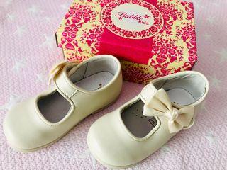 Zapatos ceremonia NUEVOS Talla 24
