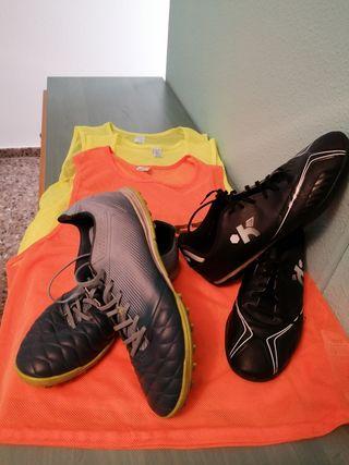 zapatillas de fútbol y petos