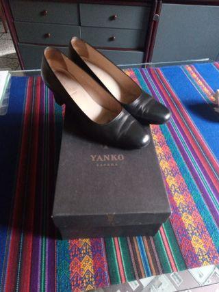 zapatos salón negros marca YANKO moda jer