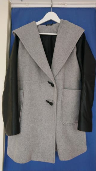 Abrigo combinado de paño y ecopiel