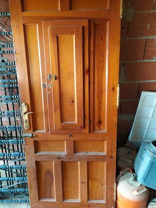 Puerta de exterior sin marco