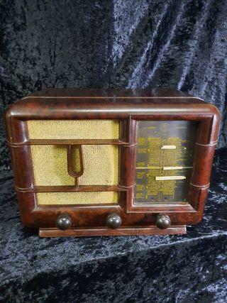 RADIO DE VÁLVULAS THONSON
