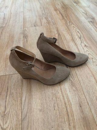 Zapatos nude de piel