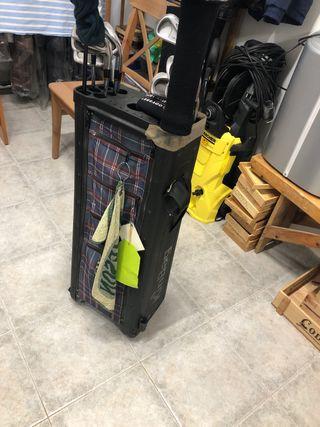 Carrito golf con bolsa incorporada (sin palos)