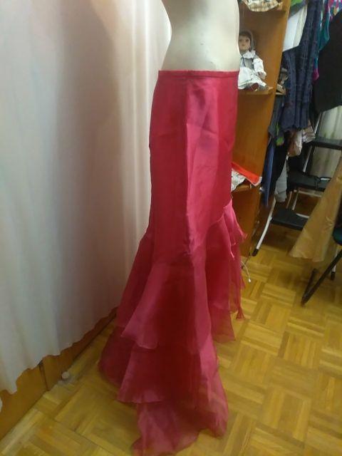 Falda de volantes con cola fucsia organza talla 42