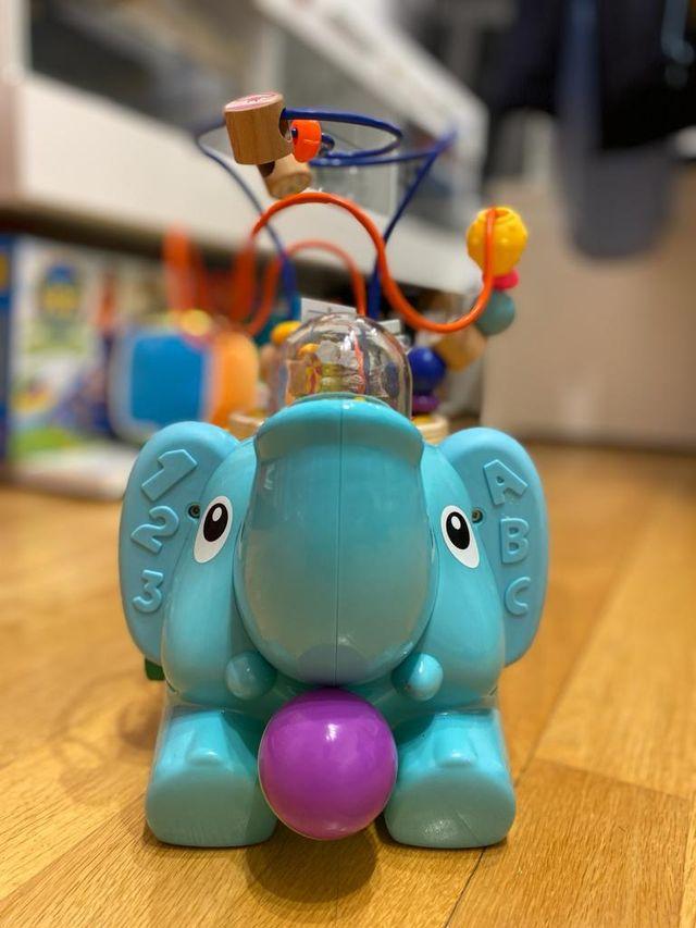 Elefante de madera con actividades 5 en 1