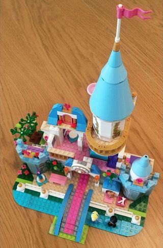 Castillo Cenicienta. Tipo Lego