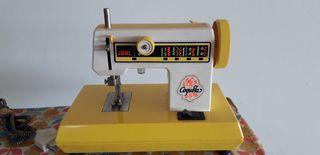 Pack juguete plancha y máquina de coser años 80