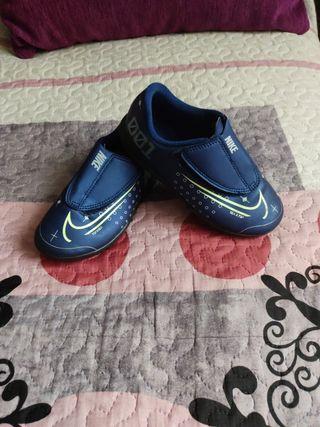 botas de fútbol niño talla 29'5