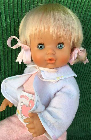 Muñeca Nenuca antigua con su ropa original