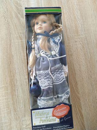 Muñeca de porcelana clásica