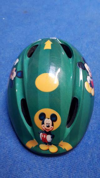 casco ciclista infantil