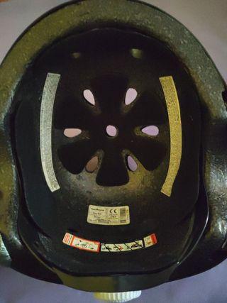 casco de skate/ bici negro