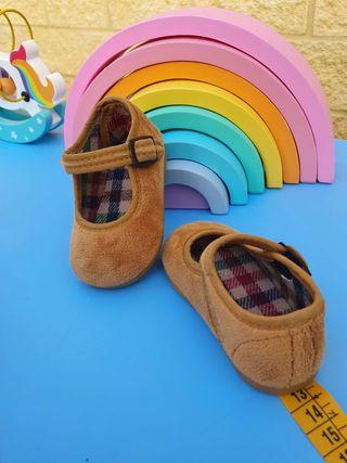 """Zapatos bebe niña """"nuevos"""".Numero 19"""