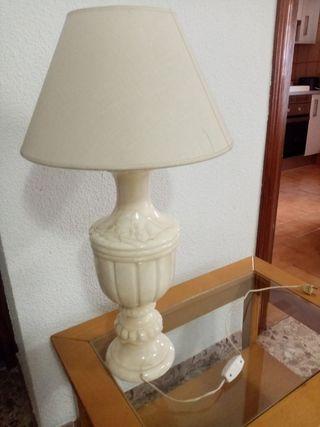 lámpara de pie de mármol