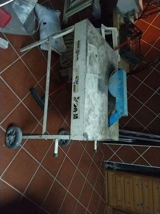 Mesa de corte de madera para encofrado
