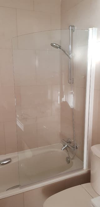 Mampara cristal baño Profiltek basculante