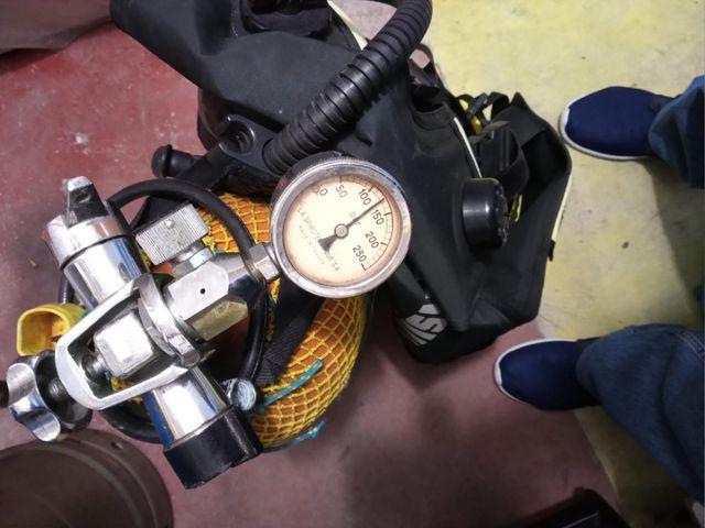 Chaleco de buceo con botella oxígeno 12 litros