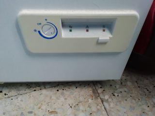 Arcón congelador ZANUSSI ZFC623WAP
